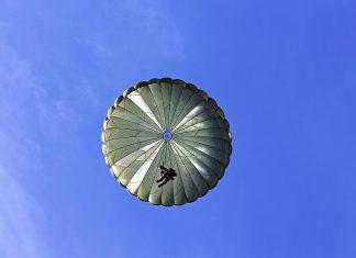 Destinations in Australia for Adrenaline Junkies - Skydiving in Cairns